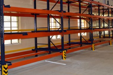 Pallet Racks vs. Cantilever Racks: Advantages and Disadvantages