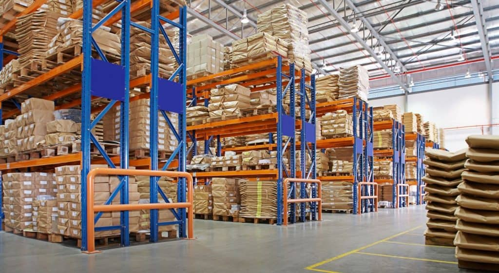 pallet racking in distribution warehouse